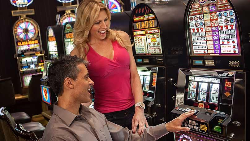 Enjoying Slot Games At A Casino1